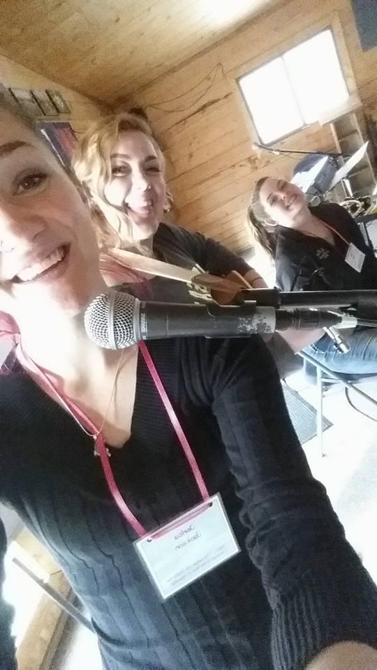 retreat-moriah-and-girls-sing